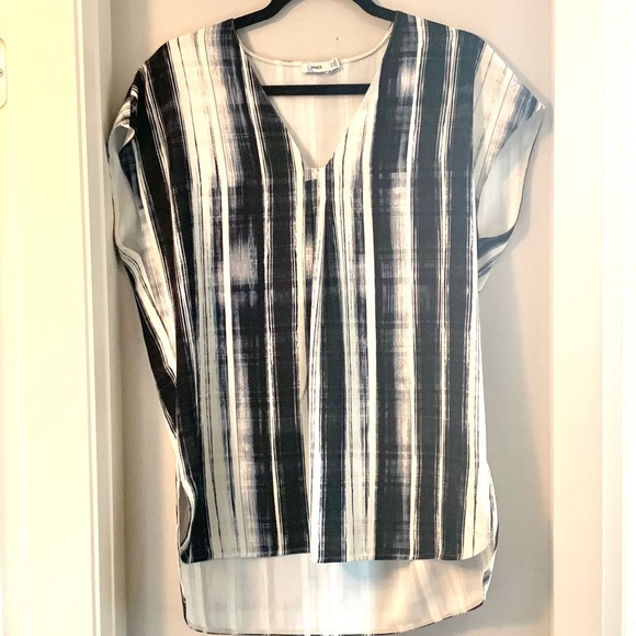 VINCE V-Neck High Low Navy & White Tunic Top